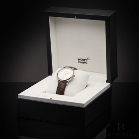 Montblanc Star Legacy Automatic Date 39mm Edelstahl Red...